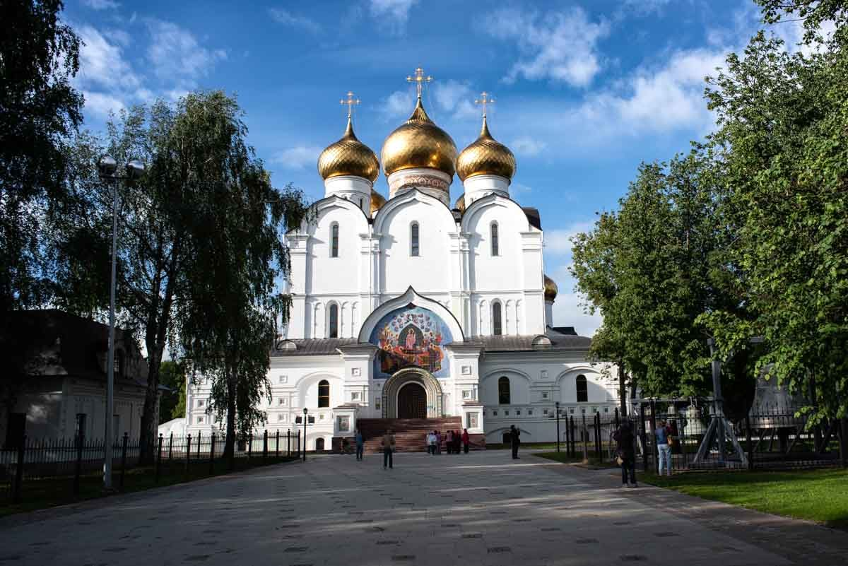russia yaroslavl church cathedral of assumption