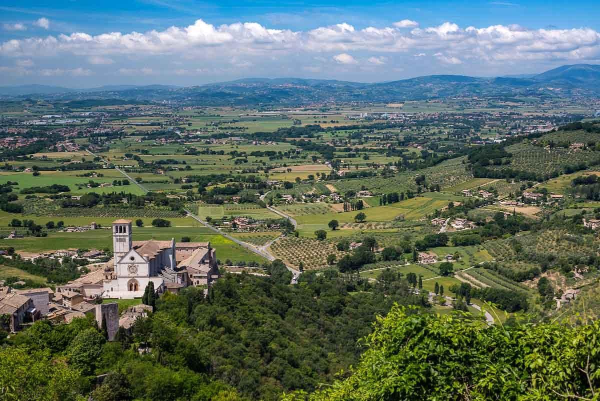 italy Assisi basilica san francesco umbria valley