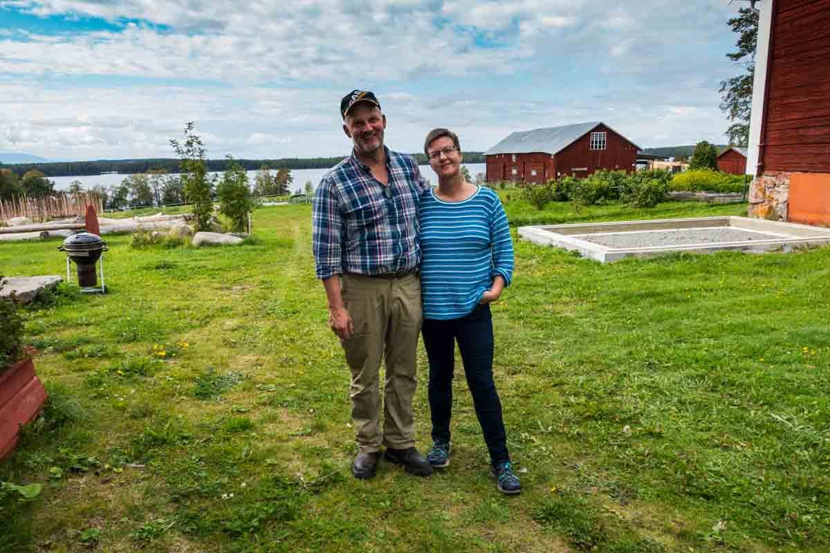 Sweden farm couple Niklas Camilla