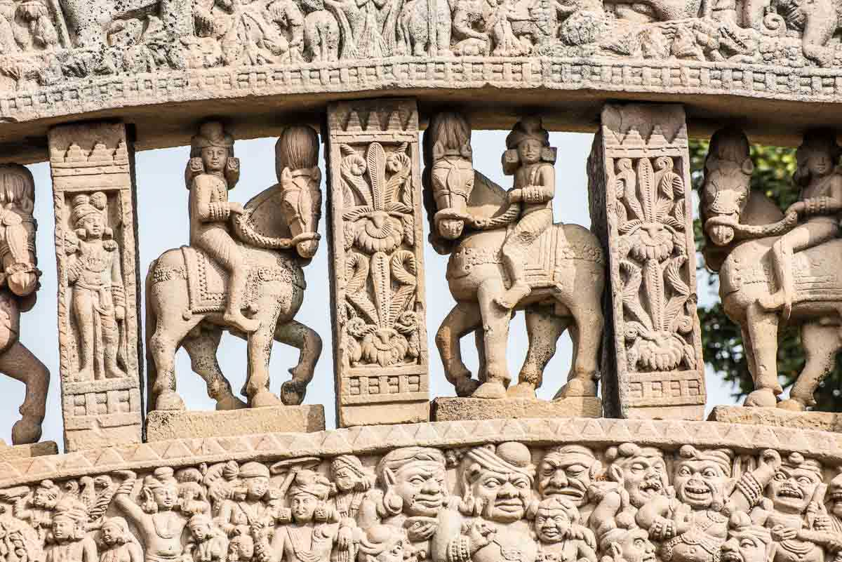 India sanchi arch stupa 1 detail 2