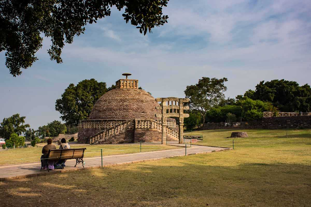 India sanchi arch stupa 3