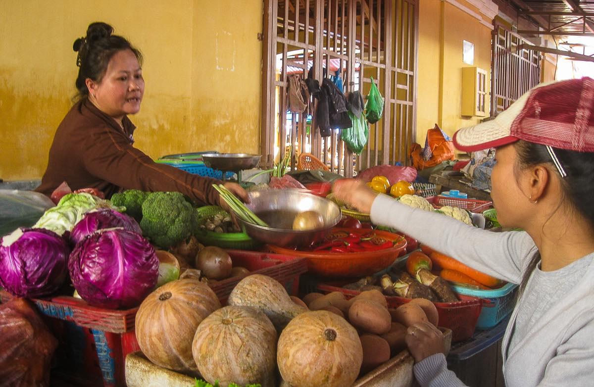 Food in Vietnam Hoi An market