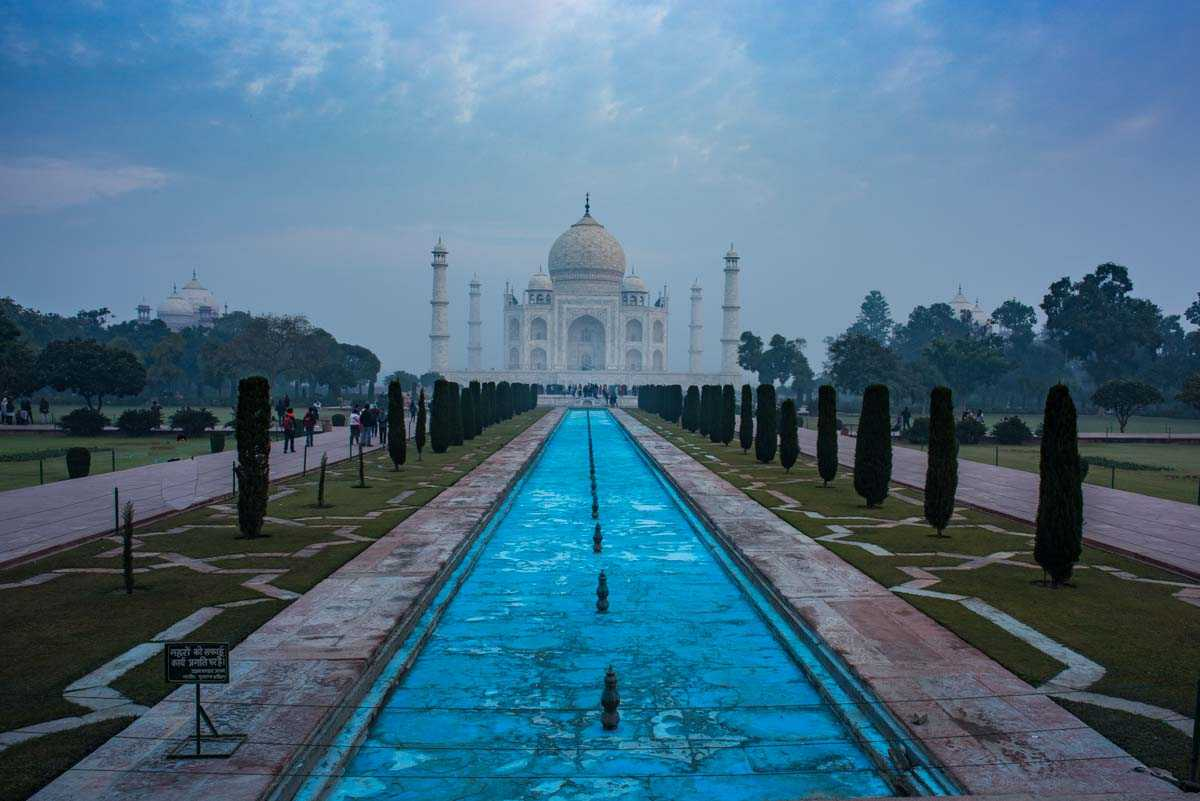 india taj mahal reflection pool