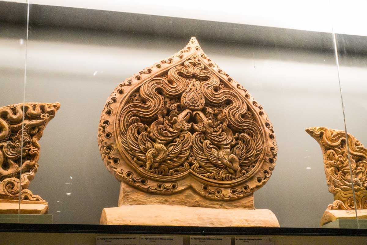 vietnam hanoi imperial citadel archeology carving