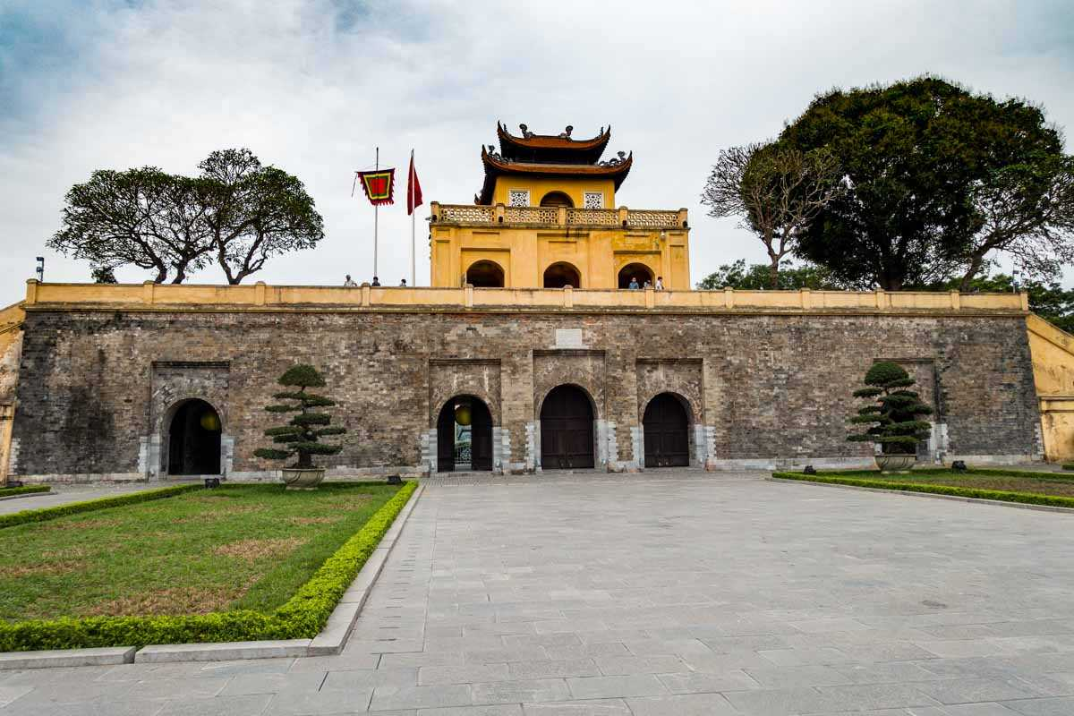 vietnam hanoi imperial citadel entrance thang long