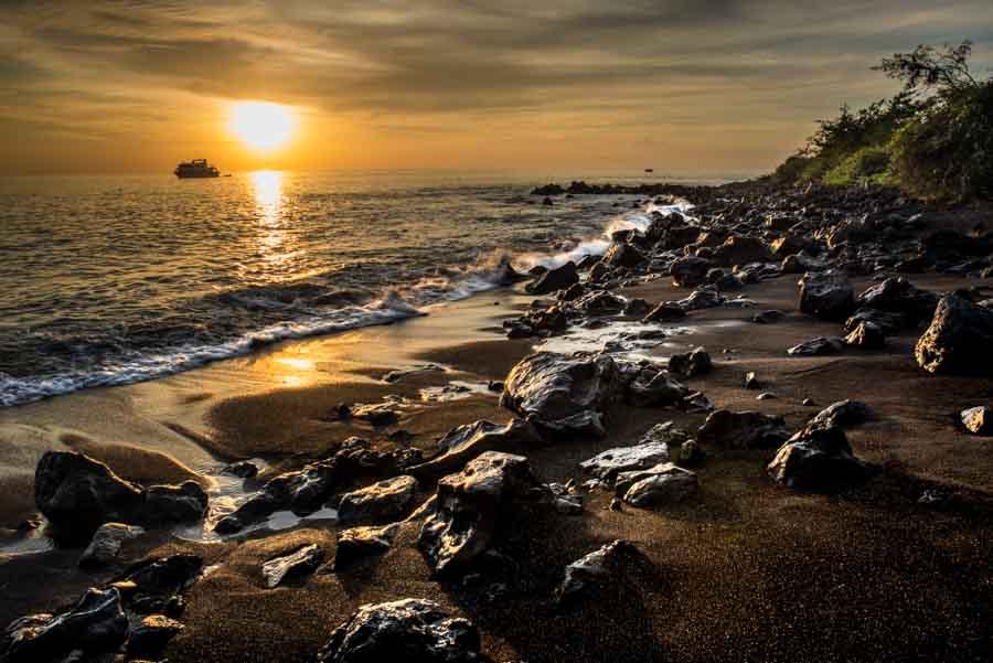 Ecuador Floriana Galapagos sunset