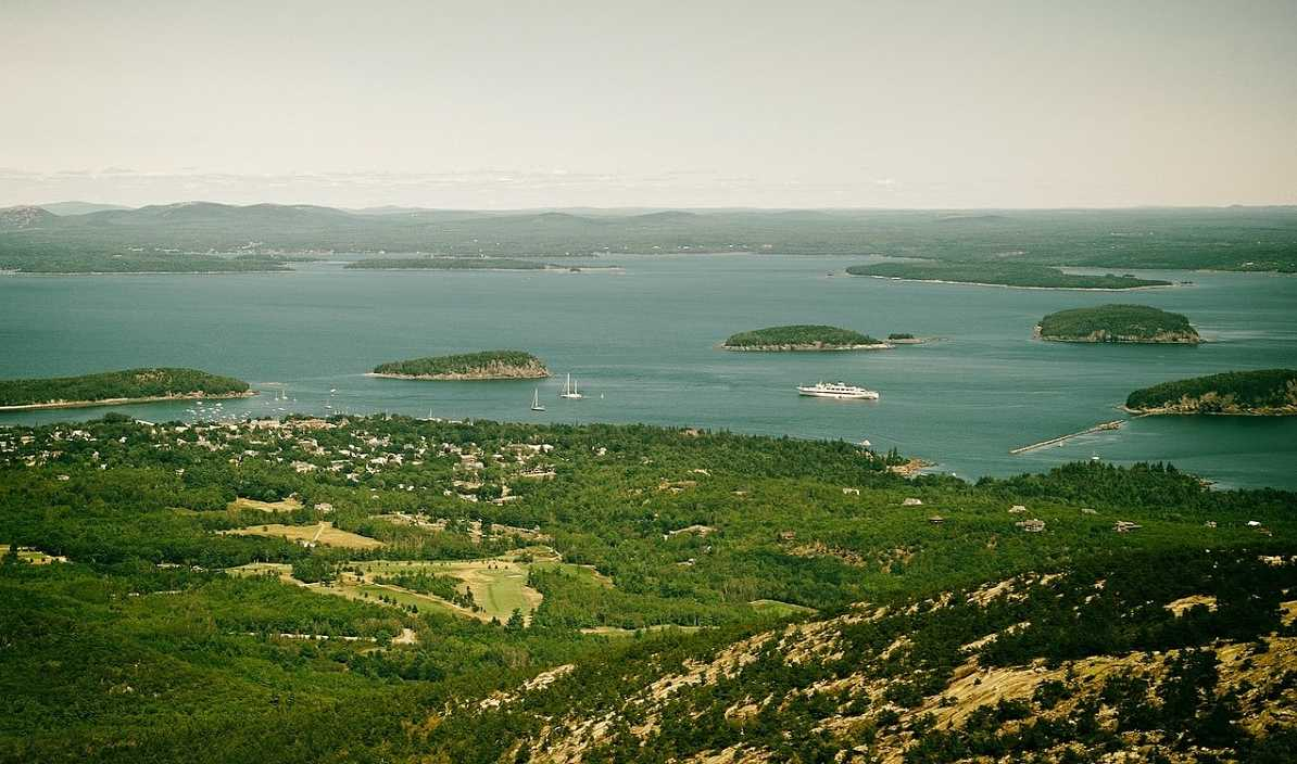frenchman bay from Cadillac Mountain Acadia National park