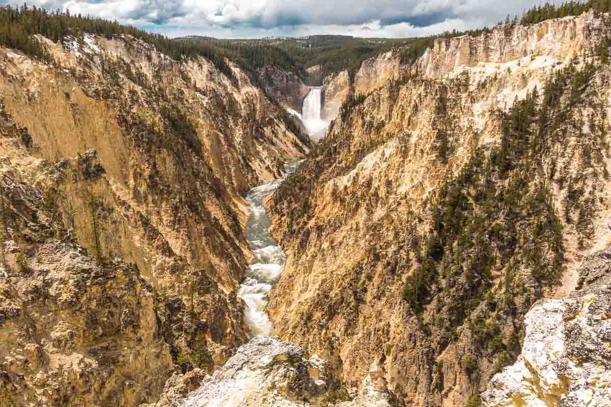 falls yellowstone