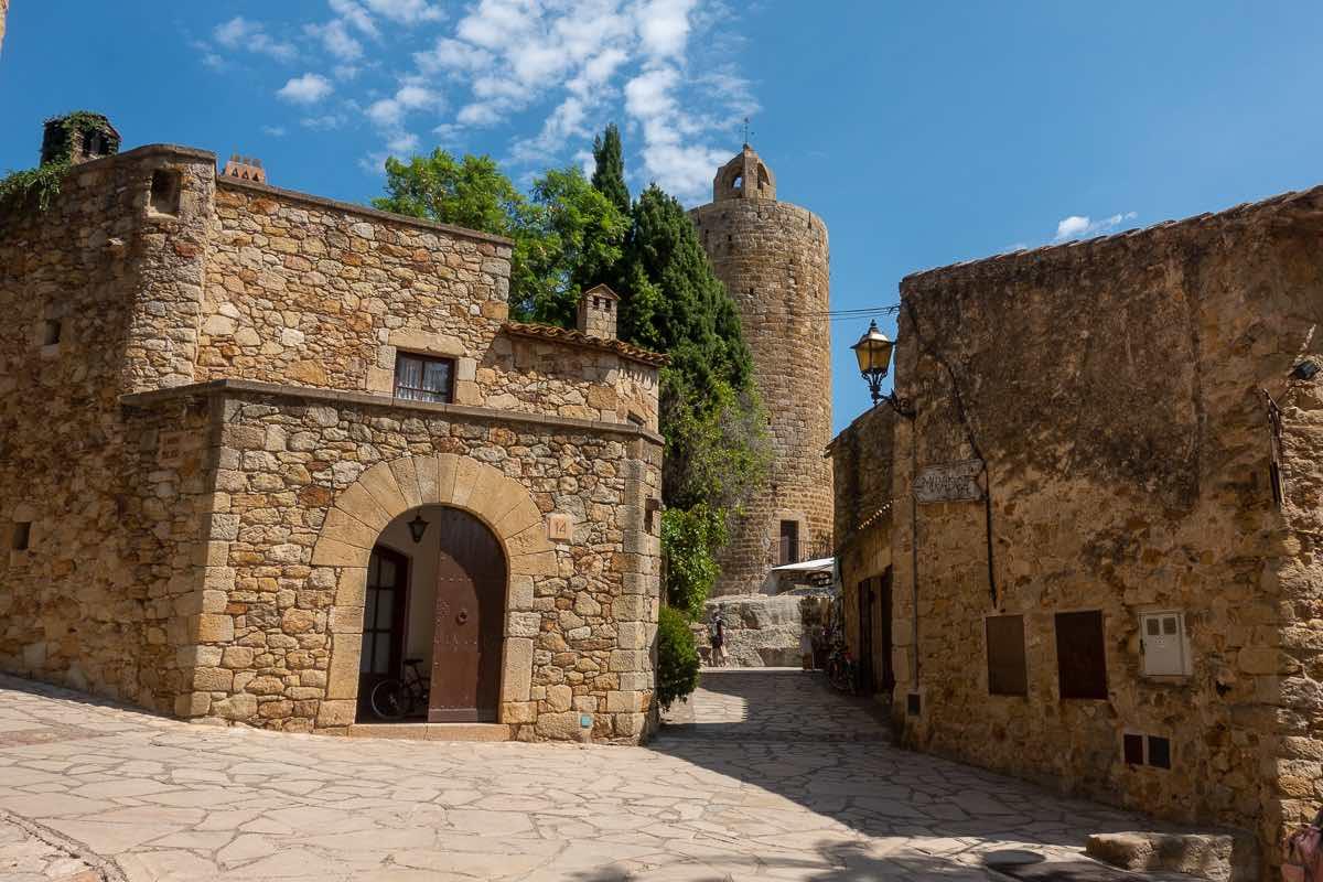 Hiking Catalonia Coast and Castles