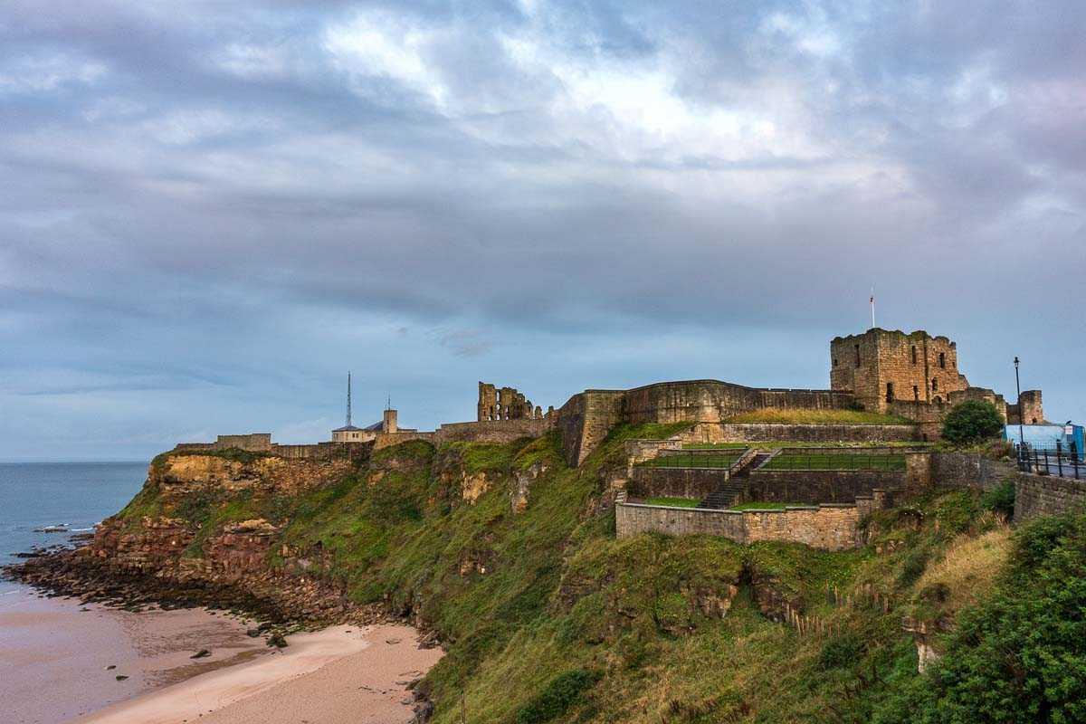 biking england hadrians tynemouth castle
