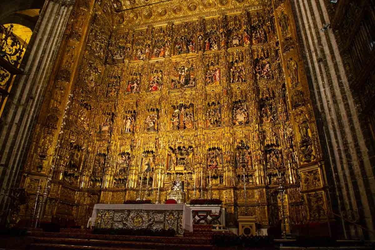 sevilla cathedral altar