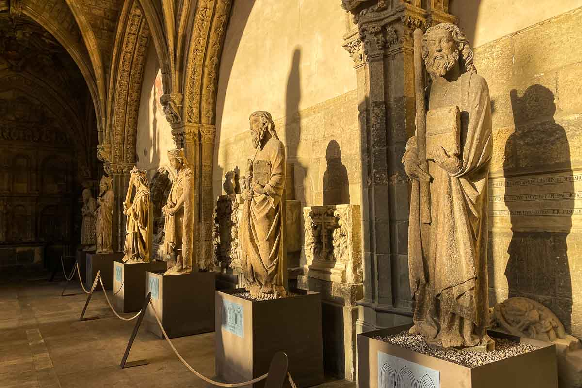 spain leon cathedral saints museum